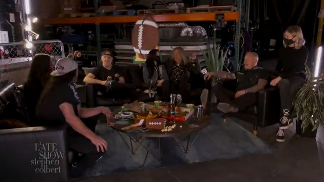 .@Metallica are gearing up! Just 90 minutes to go until our #LSSCSuperBowlSpecial🤘⏱