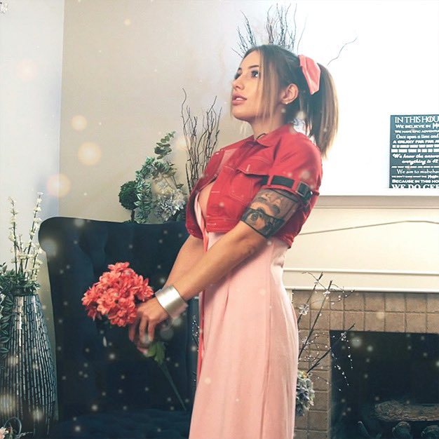 2 pic. Aerith has blessed your timeline https://t.co/EOX9MeiCcR