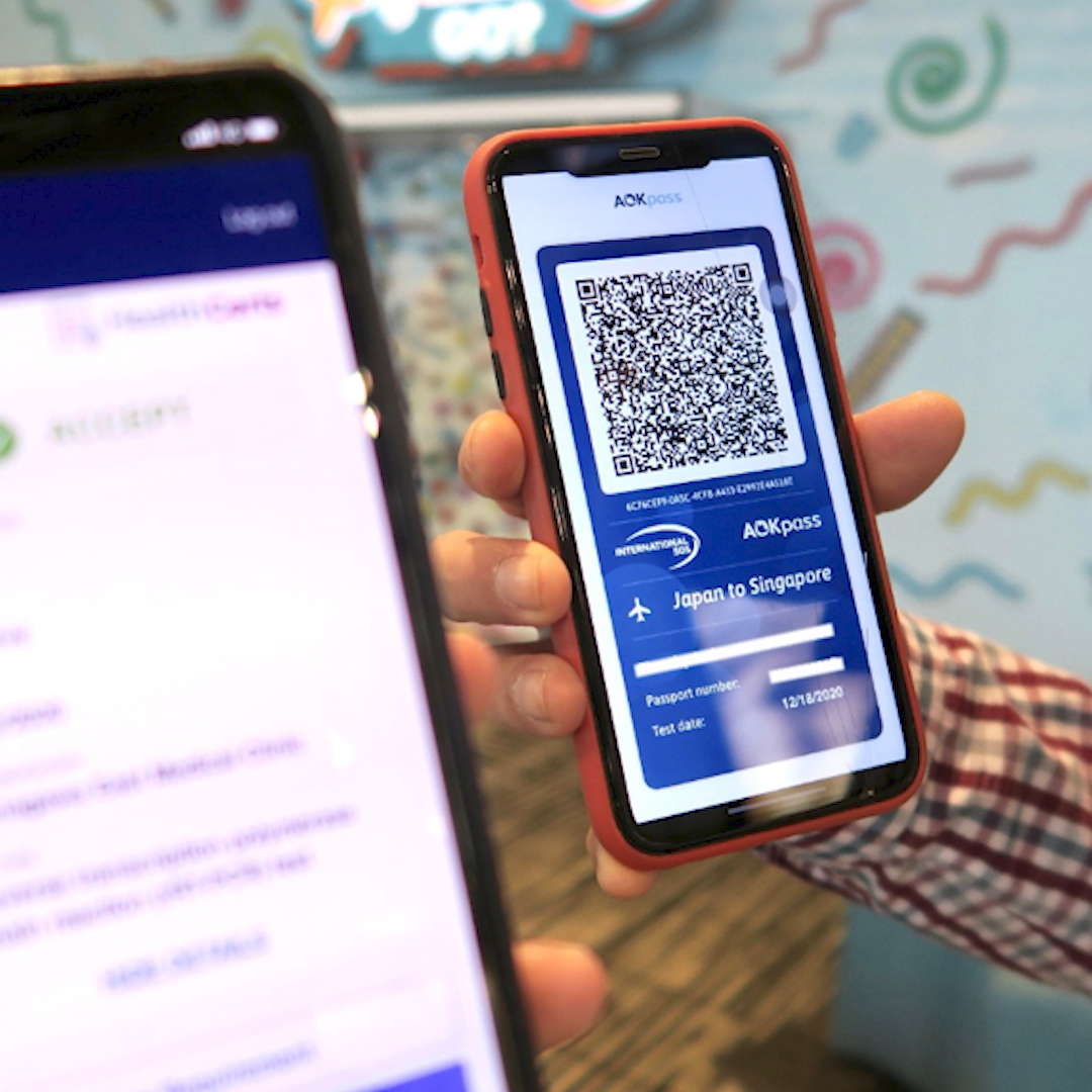 Select airports as well as airlines including United and JetBlue are experimenting with apps that use blockchain technology to verify if travelers are Covid-free before boarding #WSJWhatsNow