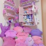 部屋に作ったメタモンコーナーがすごすぎ!沢山のメタモンが所狭しと飾られている夢の部屋がこちら!