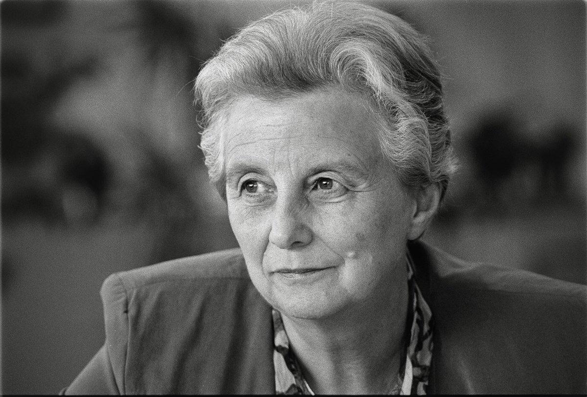 """Sigrid Kaag on Twitter: """"7 jaar geleden werd Els Borst vermoord vanwege  haar belangrijke bijdrage aan de euthanasiewet. Vanavond denk ik aan haar.  Ik voel me verwant met haar, als buitenstaander in"""