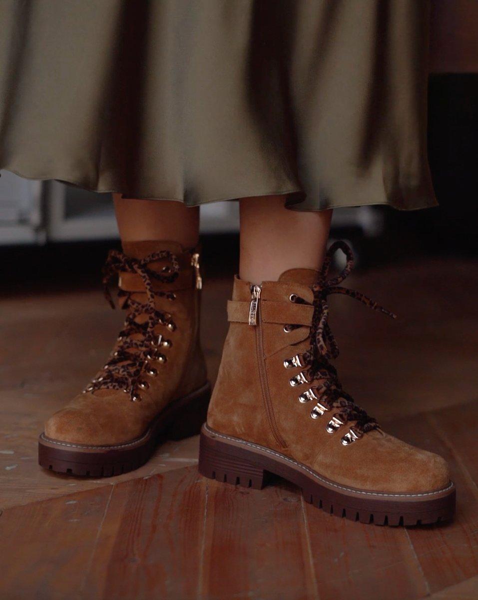 Одна из самых популярных моделей в нашей коллекции! 💥  Тренд на классические ботинки из велюра вплотную подобрался и к этому сезону: в такой паре точно не страшны ни дождь, ни снег.   Ботинки коричневые купить ≫https://t.co/kt4CjX2XAm https://t.co/QqPPnmhcrM