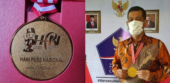 Diganjar Medali Emas Dewan, Pers Ini Kata Doni Monardo -  #donimonardo #HPN2021 @BNPB_Indonesia @dewanpers