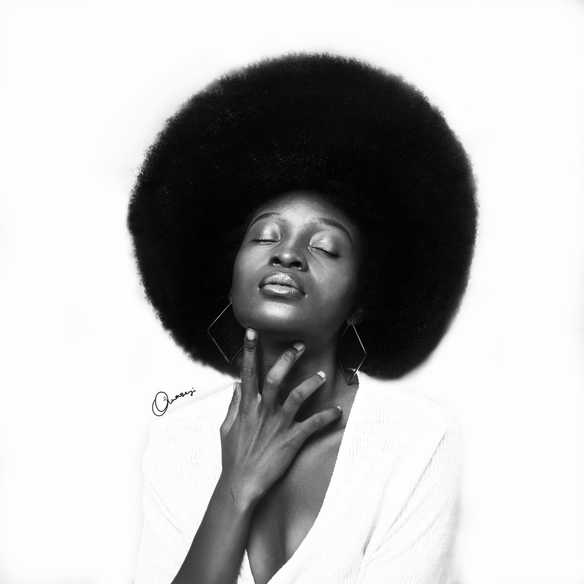 My love for black! Successful resumption to all the students out there, wishing you good luck! #ArtistOnTwitter #art #photography #NationalGirlsAndWomenInSportsDay #HappyBlackHistoryMonth