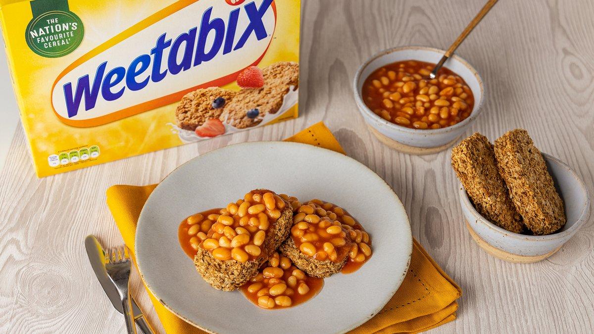 Why should bread have all the fun, when there's Weetabix? Serving up @HeinzUK Beanz on bix for breakfast with a twist. #ItHasToBeHeinz #HaveYouHadYourWeetabix