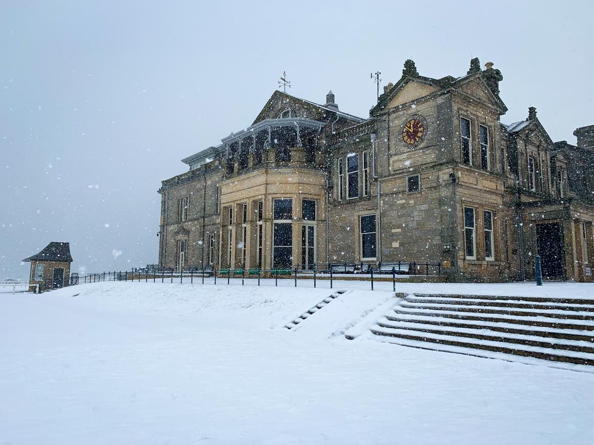 Snowy St Andrews 😍 ❄️