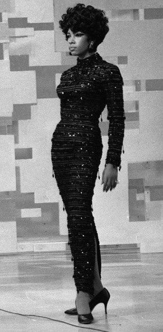 Replying to @hinadirah: rest in peace mary wilson ✨