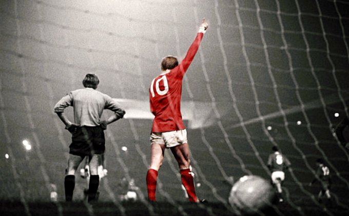 Happy 81st Birthday to the king of the Stretford End, Denis Law