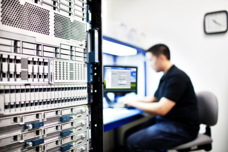 En un mundo hiper-distribuido y liderado por las aplicaciones es esencial preparar la infraestructura empresarial para subir a la nube. Nuestros expertos lanzan 13 nuevas sesiones de 1 hora para contarte todo lo que necesitas saber:   @araceli_vila