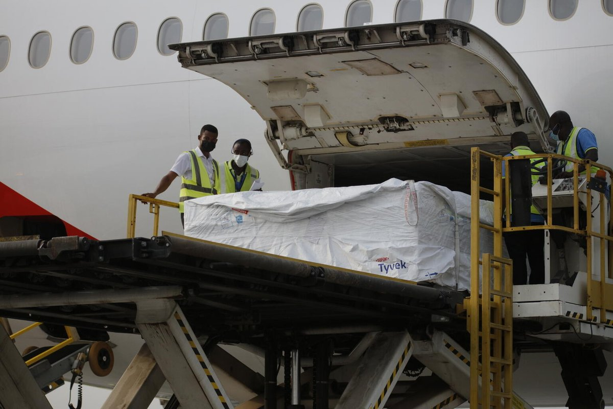 We're very proud to announce that 600,000 doses of #COVAX vaccines, the first to be shipped and delivered, have now arrived in Ghana. This is a truly momentous day, and a major milestone reached for a global solution to this global pandemic: