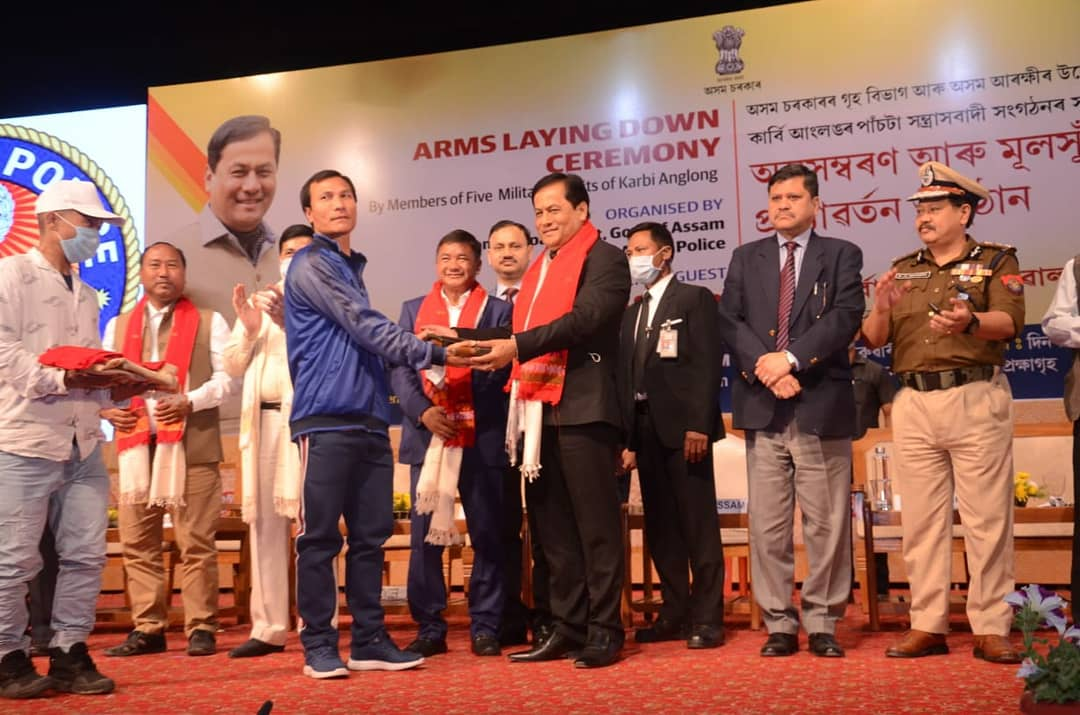 Im happy that more than a 1000 cadres from PDCK, KPLT, KLF, KNLF and UPLA of Karbi Anglong laid down arms in the presence of @sarbanandsonwal, Honble Chief Minister at Srimanta Sankardev Kalashetra International Auditorium Hall, Guwahati, yesterday.