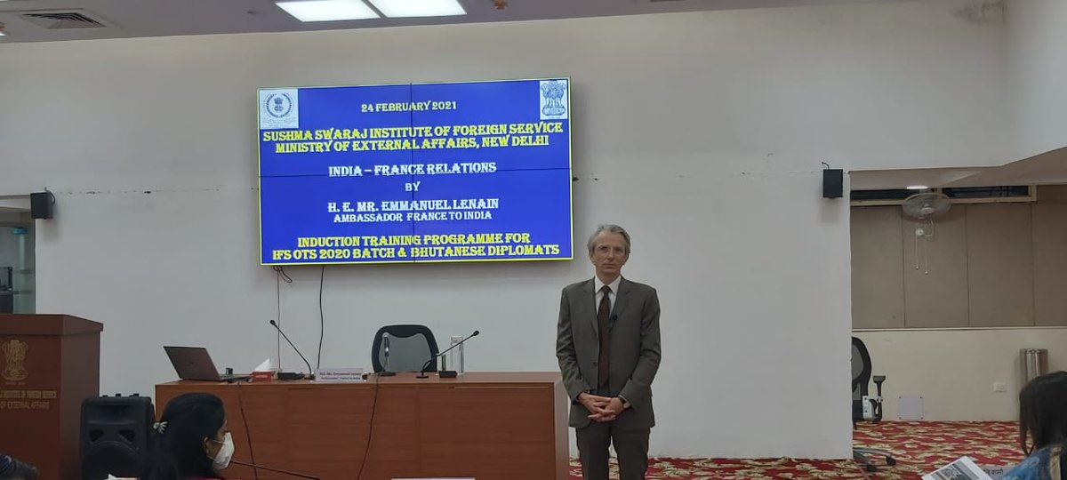 H.E. Mr. Emmanuel Lenain, Ambassador of France to India, addressed and interacted with Indian Foreign Service Officer Trainees (2020 Batch) and Bhutanese Diplomats. 🇲🇫🇮🇳🇧🇹 https://t.co/1V4DBHaydO