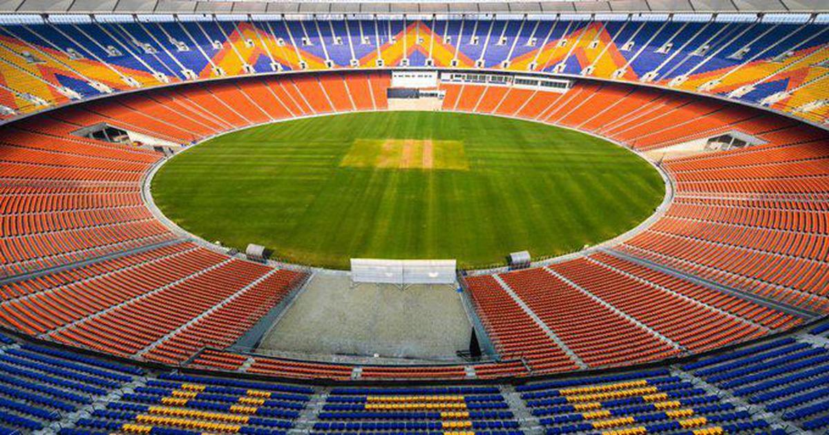 #INDvsENG | राष्ट्रपति  कोविंद ने दुनिया के सबसे बड़े स्टेडियम का किया उद्घाटन #news #india247livetv #india #Ahmedabad #MoteraCricketStadium #Cricket #England #INDvENG #OpeningDay #PresidentKovind #Inauguration2021 #MoteraTestMatch #latestnews #cricketstadium #INDvsENG_2021