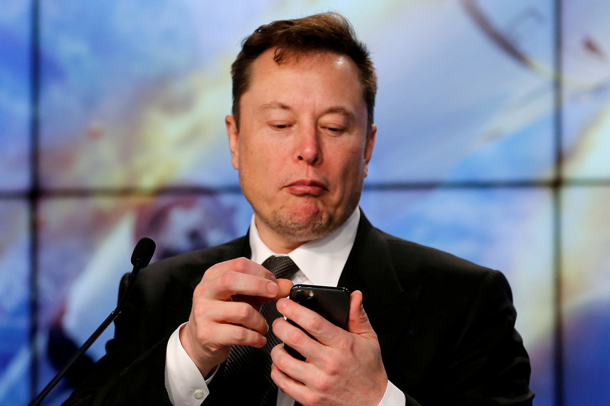Tesla stock falls further after Elon Musk loses $15B in single day
