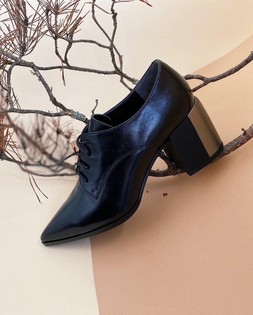 Английская обувь — дерби — перекочевала к нам из мужского гардероба, однако мы убеждены, что это не повод отказываться от возможности быть в тренде! 🔥  Полуботинки купить ≫https://t.co/mJyibwHtwE https://t.co/XZmGmONtMI