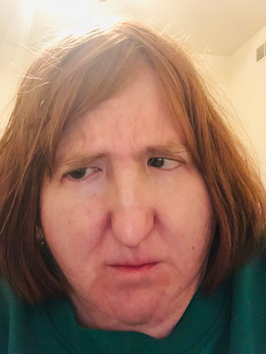 """As y'all can see, my face does this thing when I get messages telling me that """"maybe a little makeover is in order"""" and then I'd have better luck dating.  I'm not about to """"She's All That"""" myself. Besides, have you seen me in my cozy sweatshirts? I'm hot AF... #MyBestSelfie 👏🏻👏🏻"""