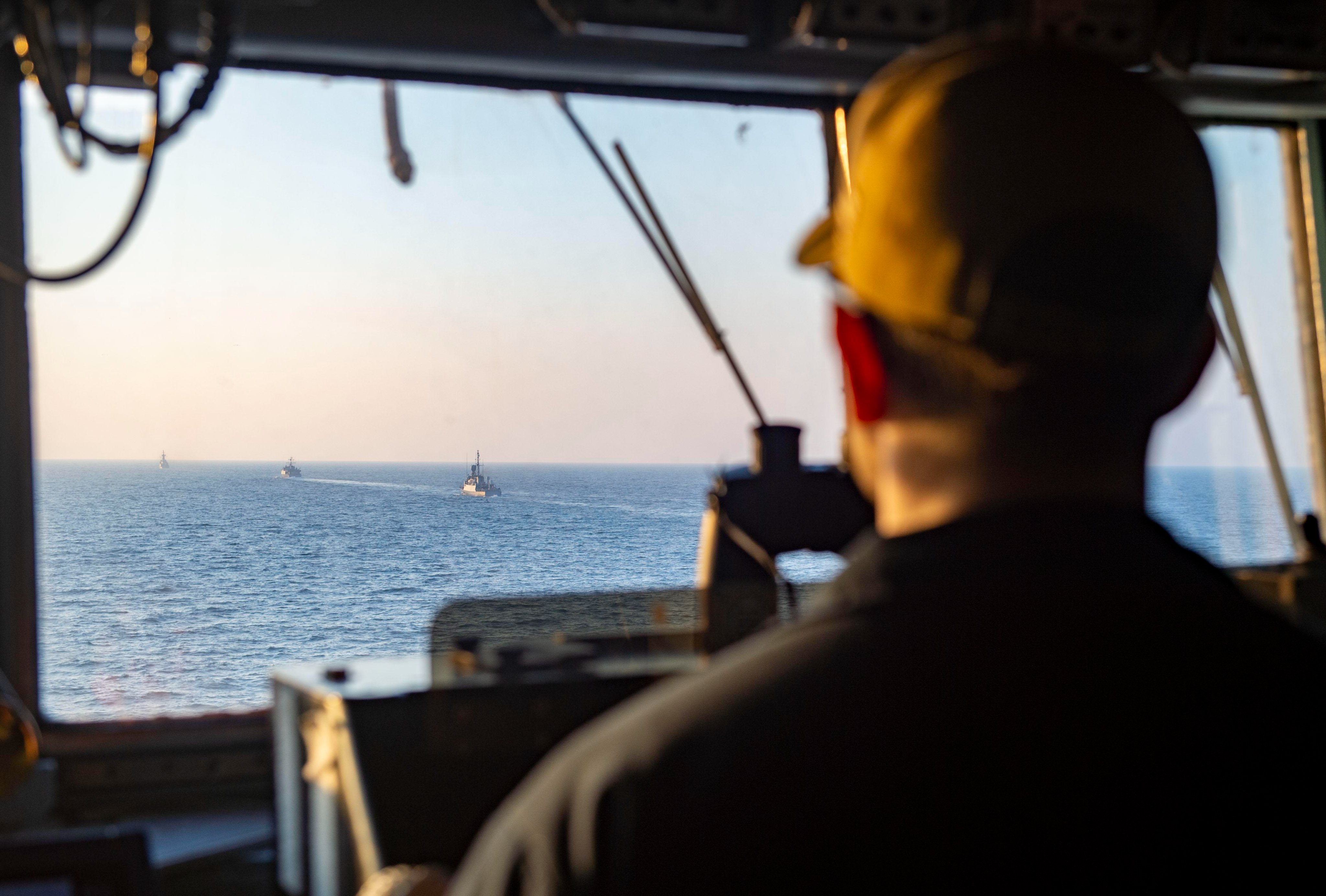 The guided-missile destroyer USS John Paul Jones (DDG 53), Royal Saudi Naval Forces corvette HMS Hitteen (616), minehunter HMS Al Jawf (420) and patrol boat HMS Oqbah (525) conduct a combined maritime security patrol in direct support to Coalition Task Force (CTF) Sentinel in the Arabian Gulf