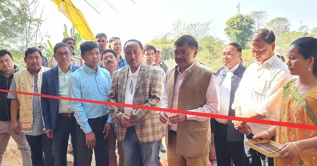 Glad to inaugurate the Kare Hansepi Memorial English School Building at Theso Ajur, 5th Km, Diphu. Along with @horensingbey, Honble MP, @riteshenghi, Honble Deputy Speaker, EMs, MACs, Ex-CEM, Board Chairmen of various Department, Teaching staff and students.