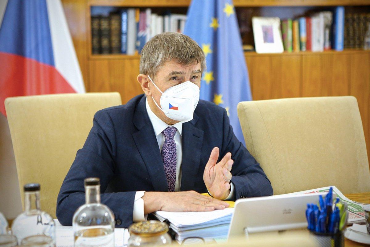 Na @strakovka se dnes sešla ke svému videokonferenčnímu jednání #tripartita. Sociální partneři byli informováni o aktuální epidemiologické situaci. Na programu jednání je i Národní plán obnovy, stav čerpání prostředků z fondů EU nebo ekonomické dopady po zavedení #GreenDeal.