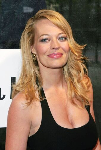 Happy 53rd birthday to actress Jeri Ryan