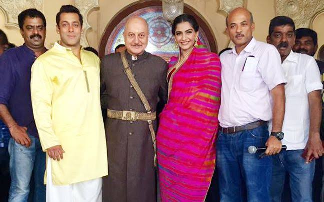 """@sonamakapoor has the greatest hunger to do well and that is one of her finest qualities. She is a proper Indian actress and has a quality of sheer poetry which makes her perfect for my films"" — @SoorajBarjatya, Happy Birthday Sir, Wishing you all the success and good health ❤️"