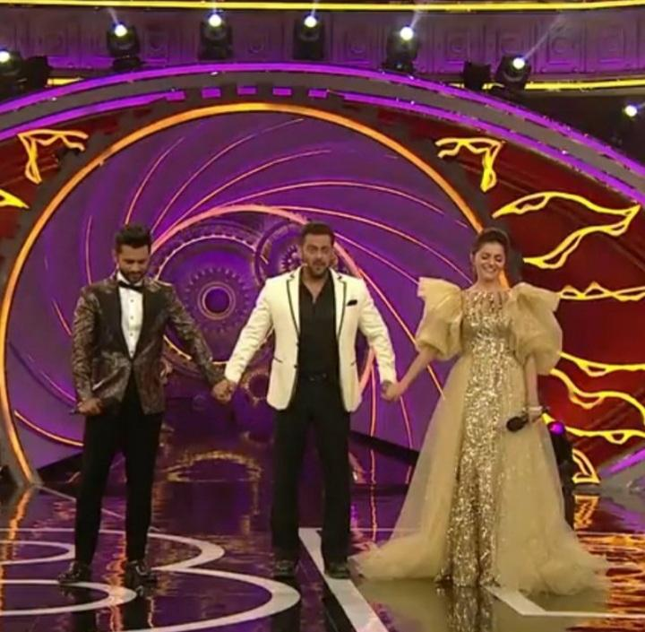 Our Queen,Our Proud and Our Sherni #RubinaDilaik Is The Winner Of Bigg Boss 14 Title, Trophy And Our Hearts And #RahulVaidya Is Also A Good Player And He Not Win The Title Of Bigg Boss 14 Or Trophy But He Also Win The Hearts Of Audience And He Is The 1st Runner Up Of Bigg Boss14. https://t.co/lgRncn4I3h