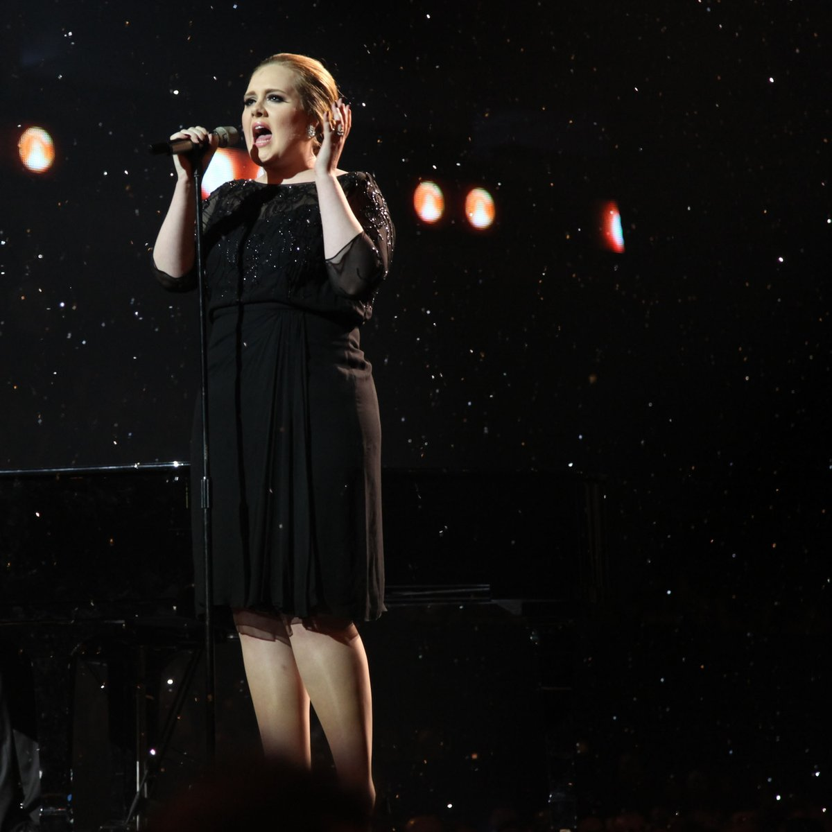 🎤 Let's kick it off with @Adele's first ever solo #BRITs performance in 2011 where she sang 'Someone Like You'. If she wasn't on your radar before that moment, then she definitely was afterwards 🤯💫