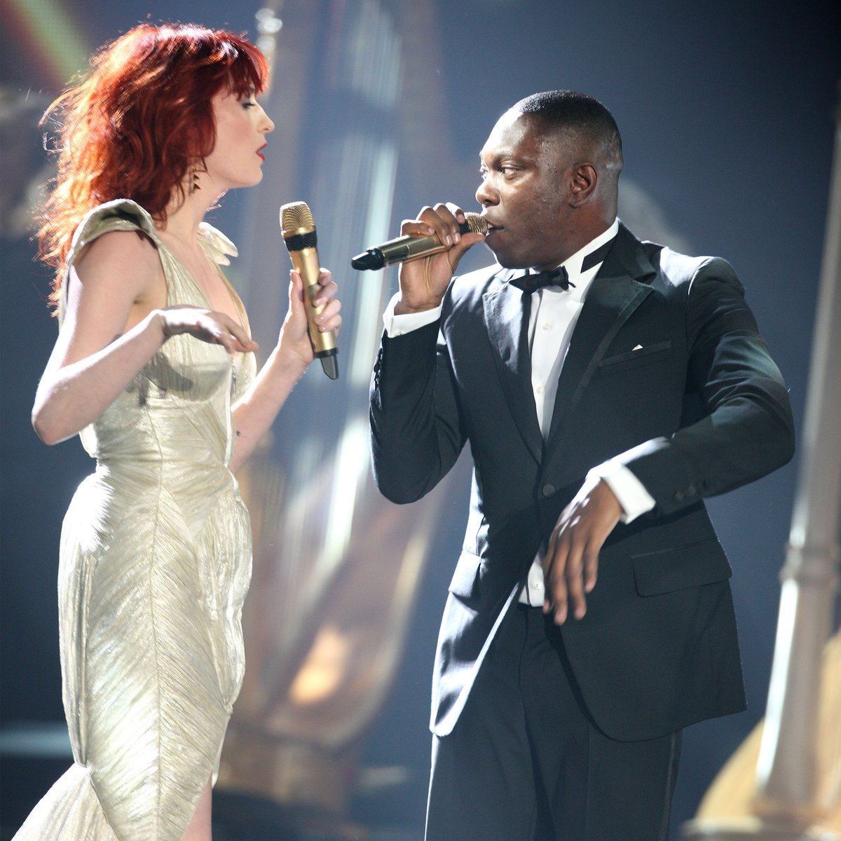 👫 And if we're talking duets, then we can't forget this EPIC performance from @florencemachine and @DizzeeRascal of 'You Got The Dirtee Love' 💥↴