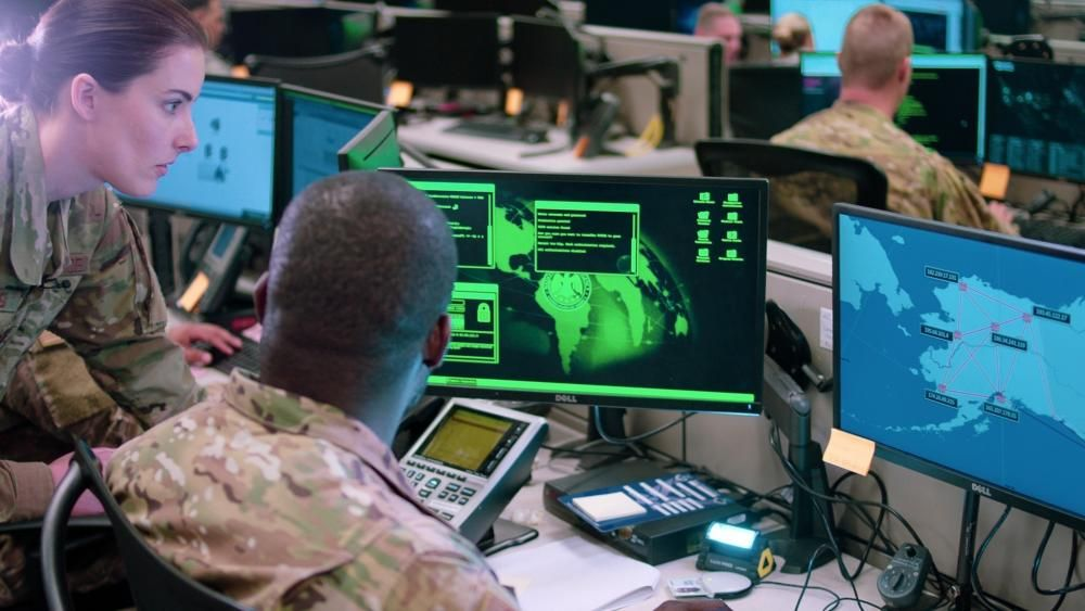 DTRA #CyberSecurity experts say a new security analysis system, called Bird Dog, nearly is ready to go online. Its #AI and #ML features may result in churning out in about a minute security analyses that normally take three hours. #DetectDeterDefeat dvidshub.net/news/389329/dt…