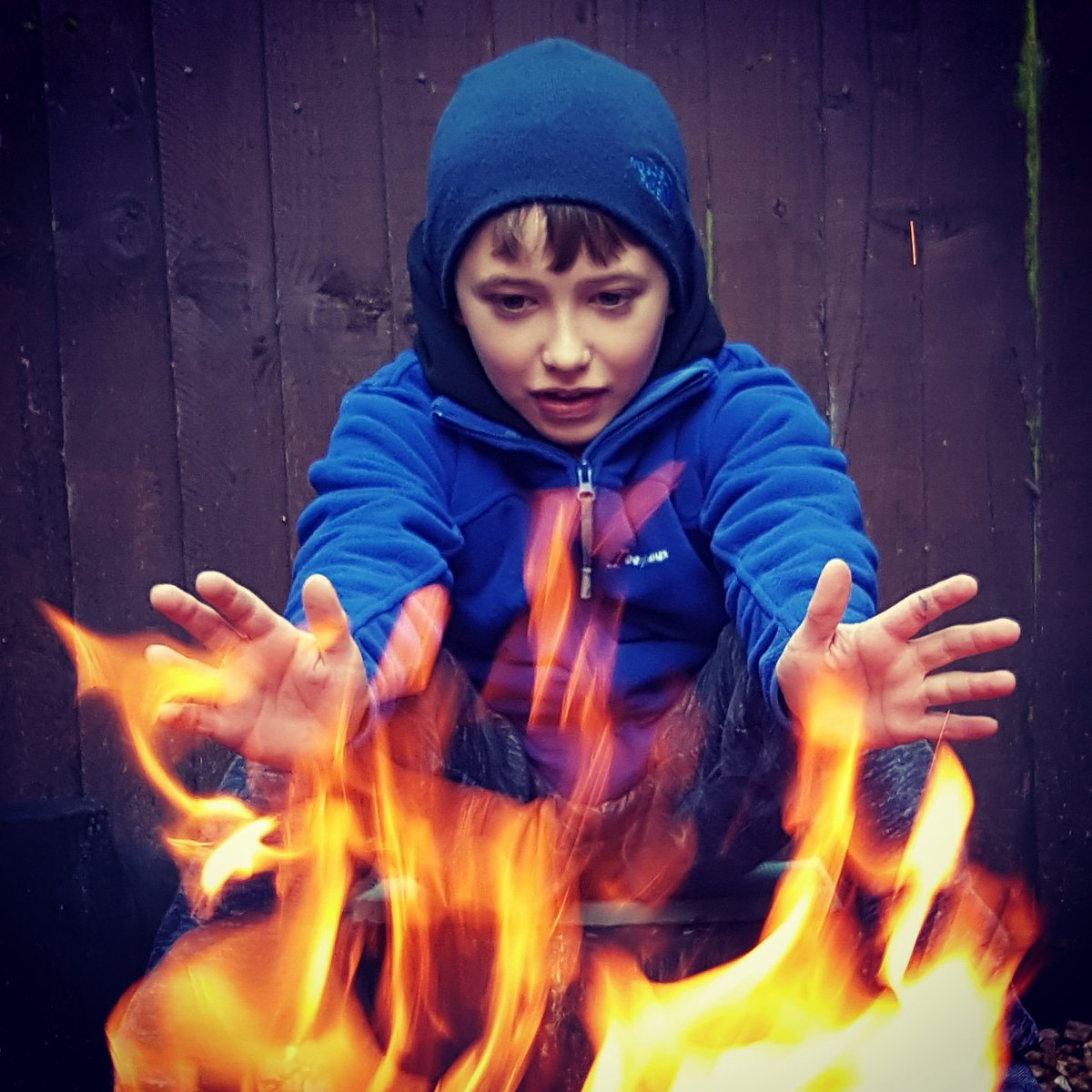 Fire is awesome, fascinating, & powerful, but also dangerous, damaging & deadly! Respect for it should be taught early and learned by everyone. #Bushcraft #survival #survivalskills #outdoorskills #skillsforlife #fire #campfire #survivalinstinct #primal #respect #riskmanagement