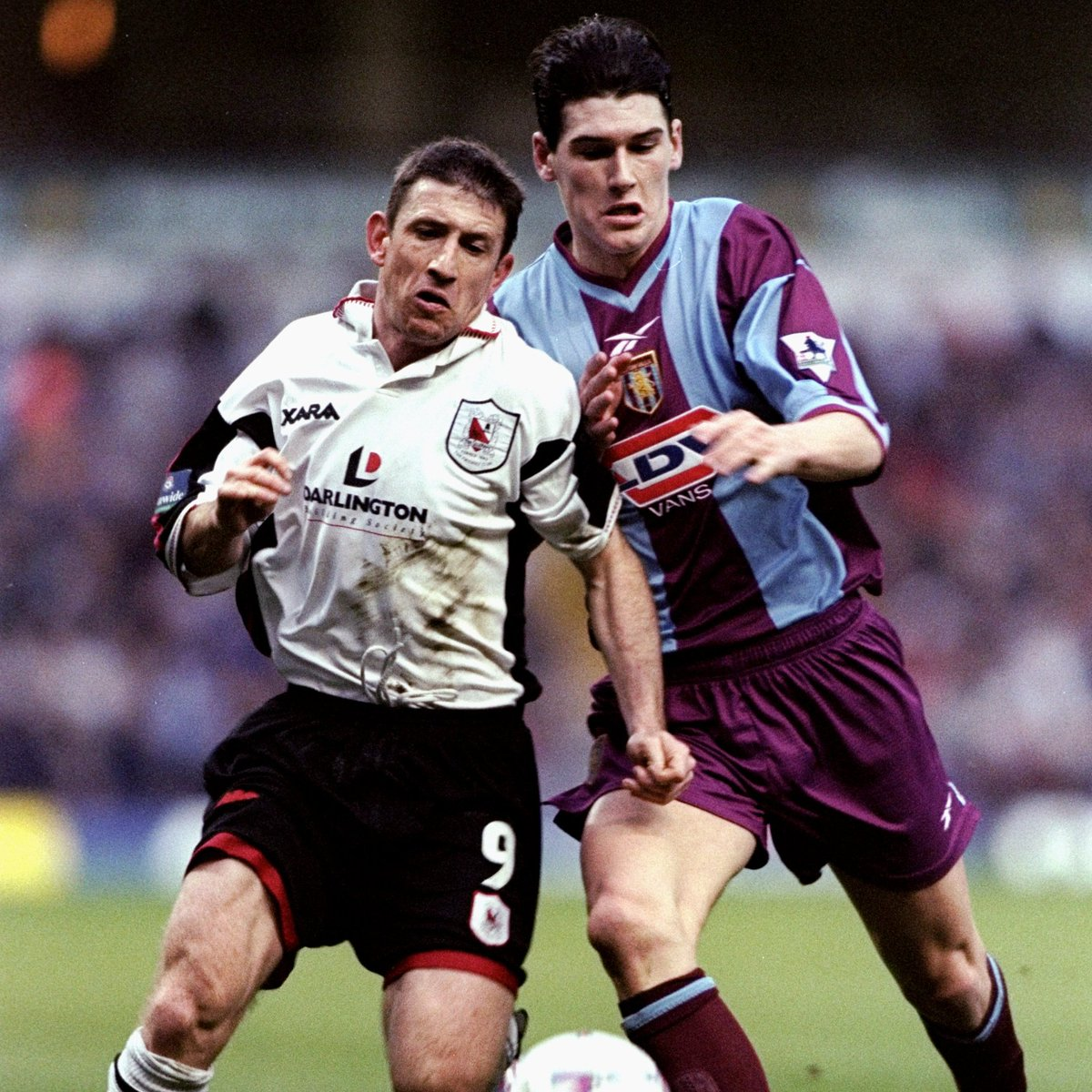 1999 ➡️ 2020, with an #EmiratesFACup trophy in between!   Happy birthday, Gareth Barry! ⚽️  The England international represented Aston Villa, Manchester City, Everton & West Bromwich Albion in the competition.