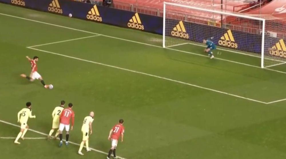 (Video) Bruno Fernandes hands Man United daylight with pen vs Newcastle United https://t.co/kxPqPQ8gx7 #MUFC #ManUTD #United https://t.co/XSqL8rMW7U