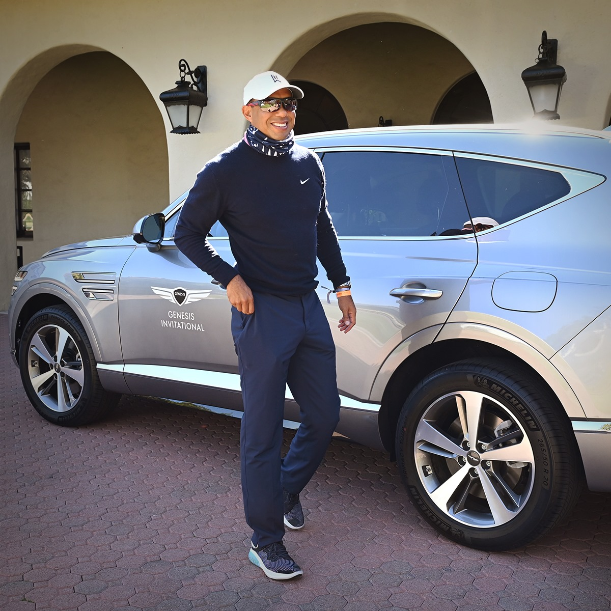 Trophy car.  The #GenesisGV80  ___ Champion #golfer with a champion ride. @TheGenesisInv champion #MaxHoma celebrates his astounding victory at The Riviera Country Club alongside tournament host #TigerWoods and Genesis Motor North America CEO #MarkDelRosso. https://t.co/df2jBlOvub