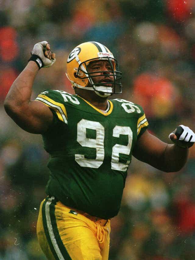 Reggie White marcou época nos Packers e na Liga. Ele é o 2o em sacks na história, com 198.  198 também é a quantidade de dias que nos separam da nova temporada da #NFL.  #nflnaespn #nflbrasil #NFLTwitter #nflfoxsports