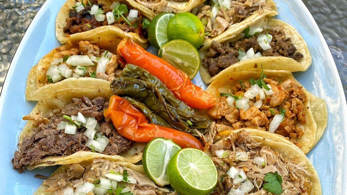 Inhale tacos. Exhale negativity. 😤 😁 🌮  #SmileHoy  #TaqueriaHoy #Open24Hours #Authentic #OrangeCounty #Taqueria #Taco #Asada #TheOC #Burrito #AlPastor #MexIcanAmerican #Jalisco #Arandas #Dtsa #SantaAna #Orange #Anaheim #Tustin #Lunch #Dinner #SmileHoy https://t.co/i1GfCOD5UW
