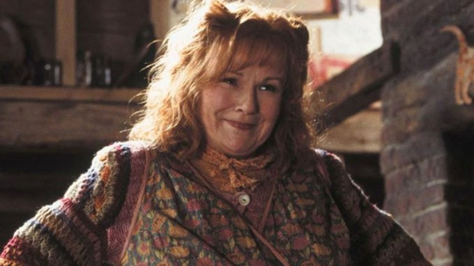 Happy 71st Birthday Dame Julie Walters!! We all love you! Hope we can see you in red hair again!