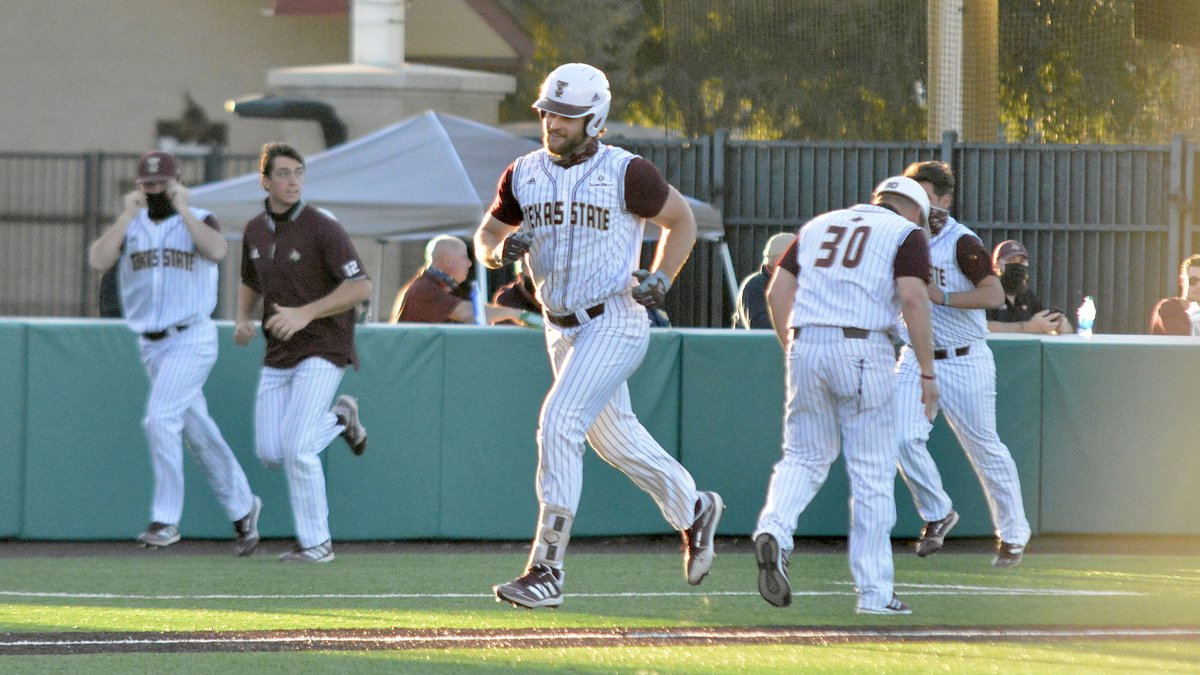 Recap | Big 6th inning that began with @wesley_faison 3-run HR propelled Bobcats to victory Monday evening. 🔗: bit.ly/3uyWNLs #EatEmUp #ComebackStrong #SunBeltBSB