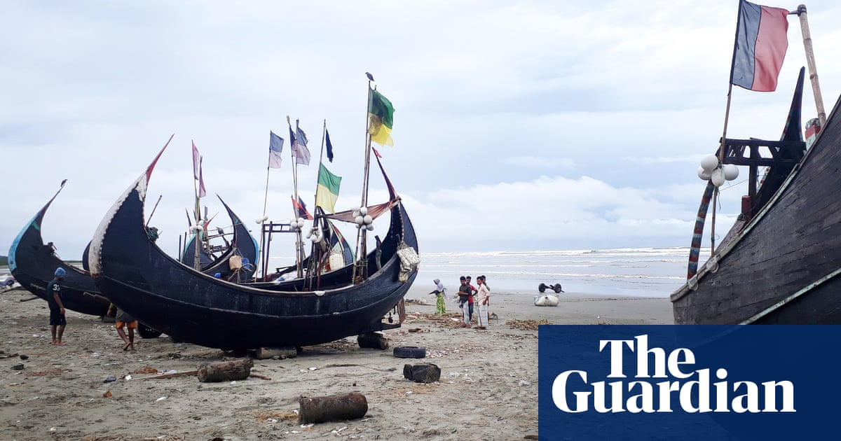 Fears for Rohingya stranded at sea for 10 days, as engines fail and eight die Photo