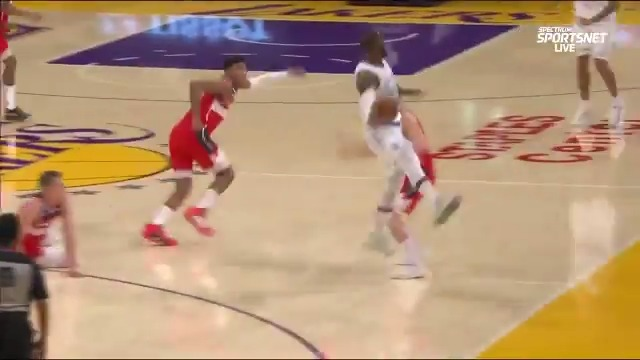 Replying to @espn: What a save by LeBron 🤯
