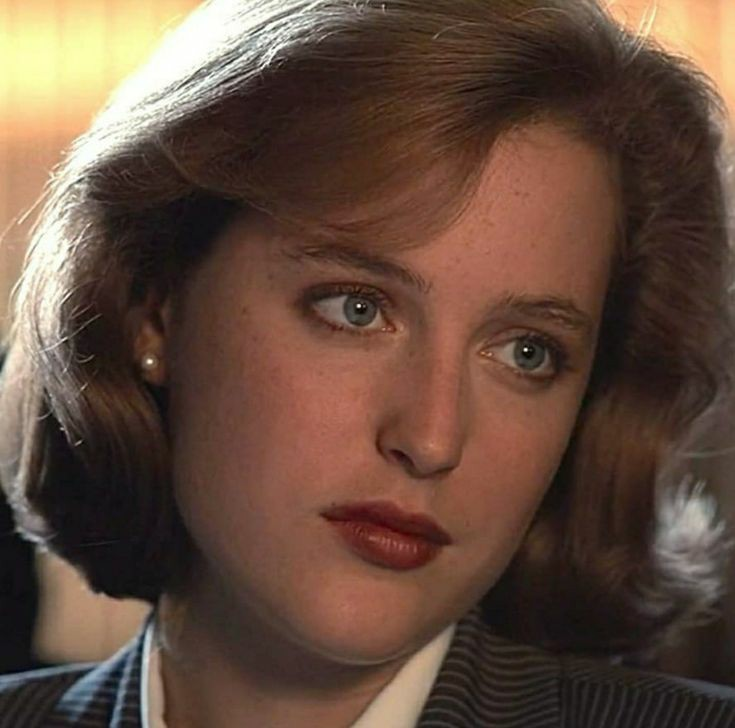 Happy birthday to the one and only dana scully !!!