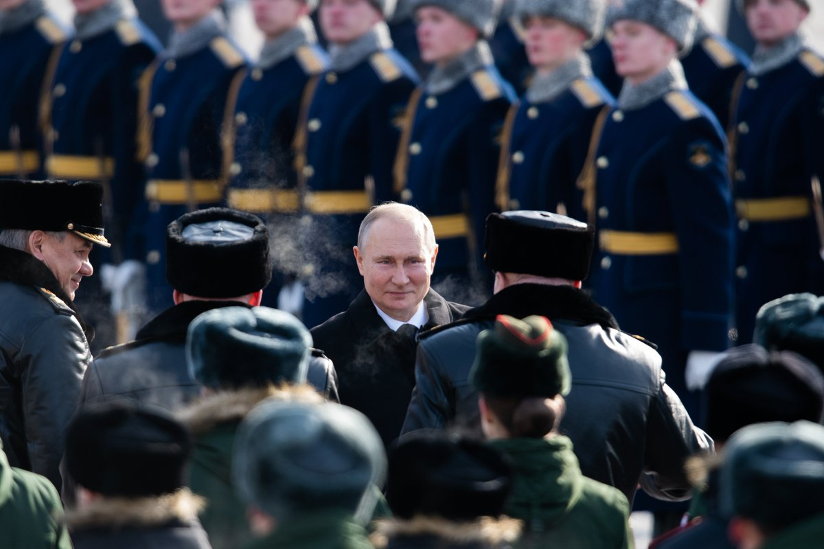 #February23: Vladimir Putin laid a wreath at the Tomb of the Unknown Soldier on #DefenderOfTheFatherlandDay
