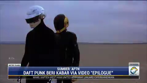 Duo elektronik asal Perancis Daft Punk mengumumkan bubar lewat videonya berjudul 'Epilogue'. Keduanya sudah sama-sama berkarya di industri musik selama 28 tahun. #MetroSiang #KnowledgeToElevate