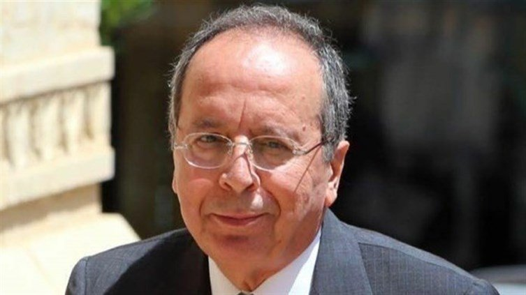 هل تلقى جميل السيد لقاح كورونا في مجلس النواب؟