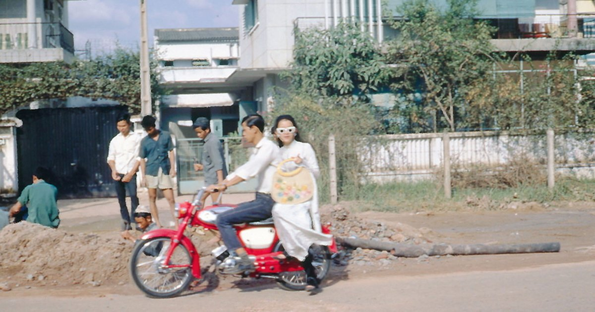 "Saigoneer on Twitter: ""[Photos] 20 Photos of Life in Vietnam in 1966–1967  https://t.co/9nmaB5Wppg… """