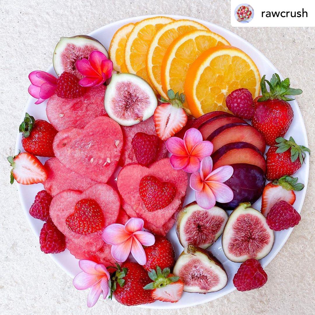 Pretty fruit platter for my loves. 💗❤️💗  #fruit #fruitsalad  #fresh #raw #thisweekoninstagram #takeabreak #healthy #healthyoptions  #fruitplatter #detox #healthyoptions #snack #grapes #strawberry #snackideas #easy #yummy #rawcrush