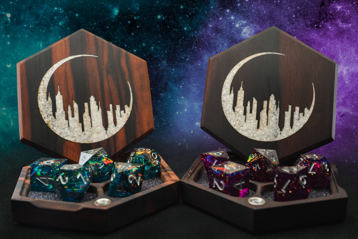 🚨GIVEAWAY ALERT🚨  @WyrmwoodGaming has given us a RARE mother of pearl vault that we're giving away!  👉Quote-RT this👈 with your favorite quote / dialogue from The Unsleeping City: Chapter II and use the hashtag #D20Wyrmwood and you might get selected!