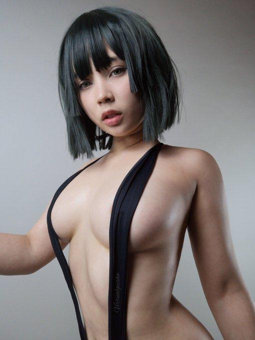 1 pic. Fubuki Slingkini version 🖤  See below for more 🖤 https://t.co/O4ZDRfov7a