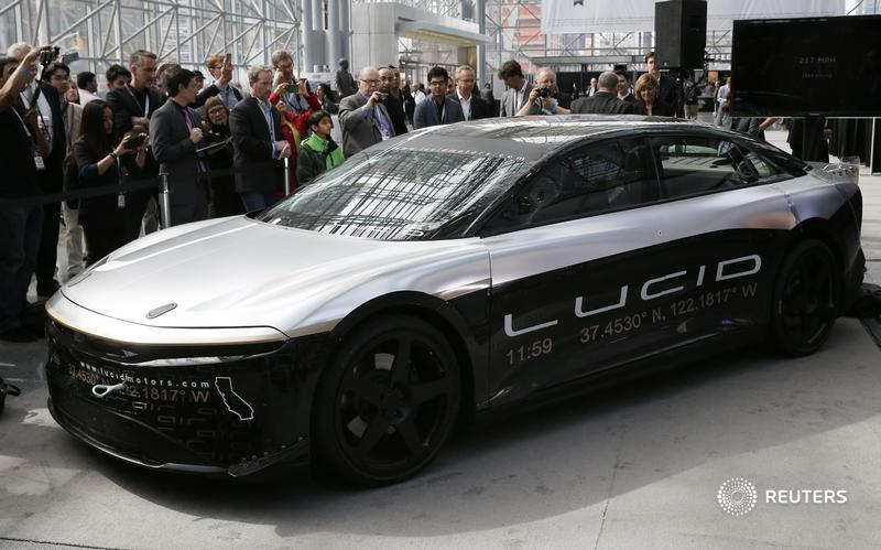 Former Citigroup executive Michael Klein on Monday used one of his special purpose acquisition companies to snap up electric-car maker Lucid Motors. It takes the hype for both trends to a new level, writes @AntonyMCurrie: https://t.co/tjX5uOL5Fh https://t.co/FoDrUElDJL