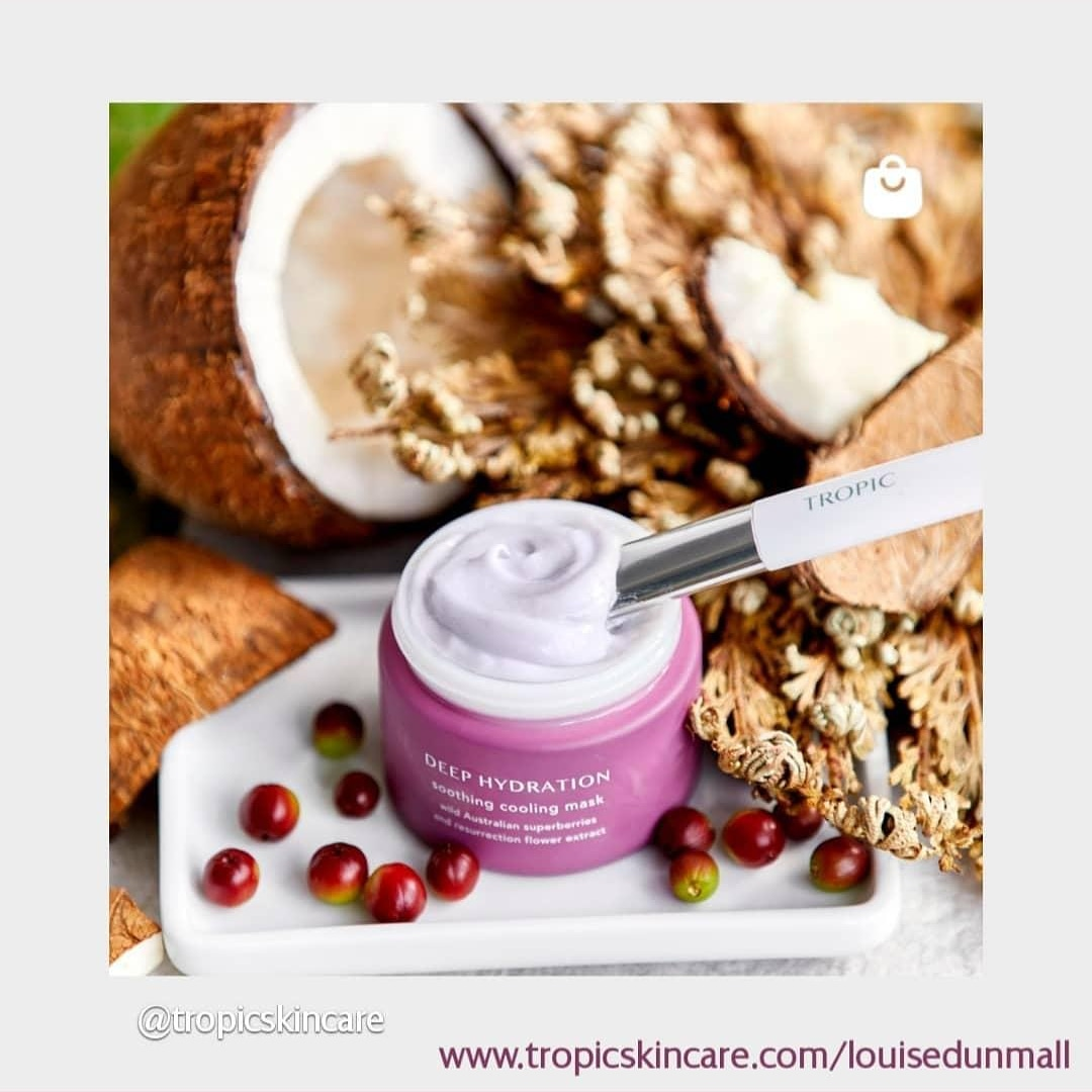 DEEP HYDRATION soothing cooling mask 💜💜💜💜💜💜💜💜💜💜💜💜💜💜💜💜 With a whipped-up yoghurt-like texture that smells of fresh berries, you can sense the thirst-quenching properties that this mask has before you even apply it.
