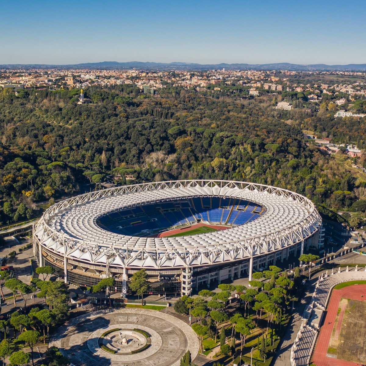 🏟️ Stadio Olimpico, Rome 😍  🌍 Where in the world are you watching the Champions League action?  #UCL https://t.co/fOsOalcJoJ
